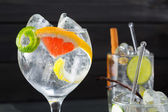 Gin tonic varied cocktails with lima lemon and grapefruit — Stock Photo