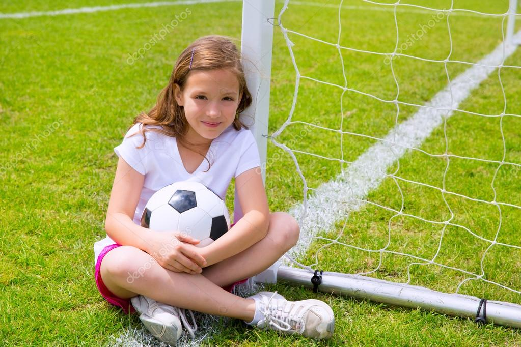 photo of girls playing soccer № 17679
