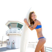 Beautiful surfer teen girl in Huntinton beach California — Stock Photo