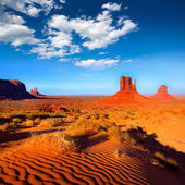 Monument Valley West and East Mittens Butte Utah — Stock Photo
