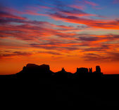 Sunrise on US 163 Scenic road to Monument Valley Park — Stock Photo