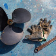 Boat propeller improvement repair tools and gloves — Stock Photo