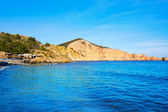 Ibiza cala jondal plage es à san jose au baléares — Photo