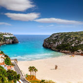 カラ en ポーター美しいバレアレス諸島にメノルカ島のビーチします。 — ストック写真