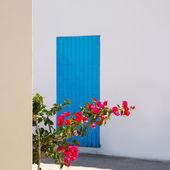 Mediterranean blue door details in Balearic Islands — Stock Photo