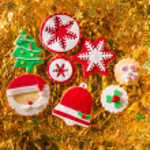 Christmas cookies Xmas tree Santa snowflake on golden — Stockfoto