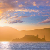 Alcatraz island penitentiary at sunset backlight in san Francisc — Stock Photo