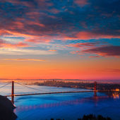 Golden Gate Bridge San Francisco sunrise California — Stock Photo
