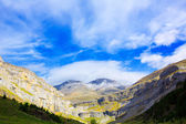 Monte Perdido and Soum Raymond at Soaso circus in Ordesa Valley — Stock Photo