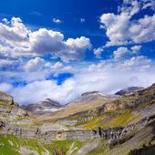 Monte Perdido Valle de Ordesa in Soaso circus Pyrenees Huesca — Stock Photo