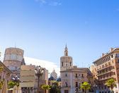 Valencia plaza de la virgen kathedrale und miguelete spanien — Stockfoto