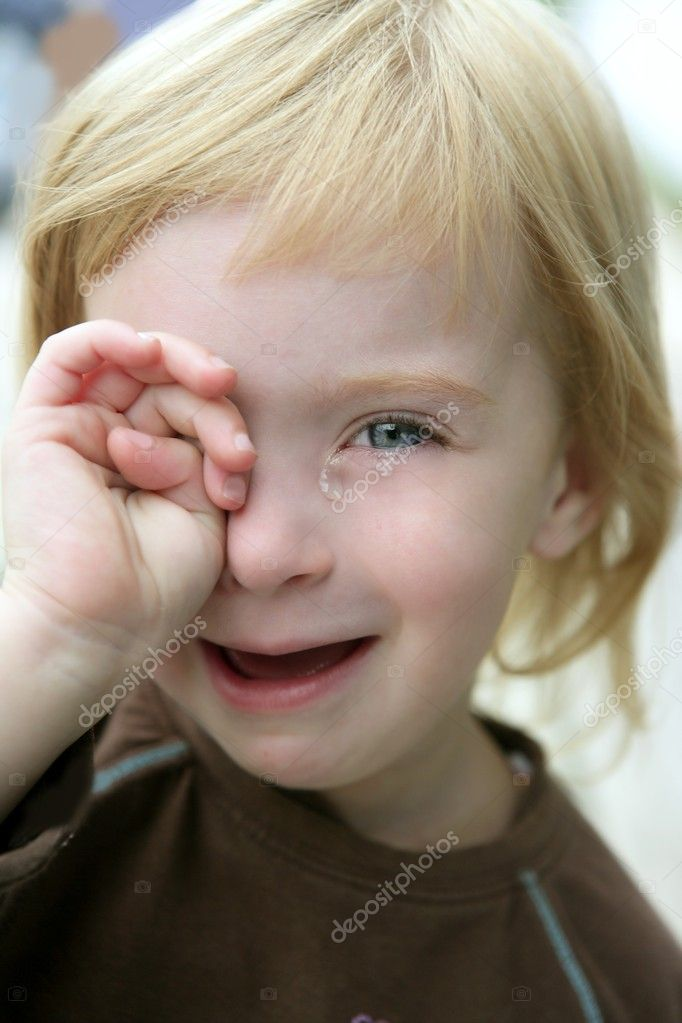 depositphotos_5513374-Adorable-blond-little-girl-crying-portrait.jpg