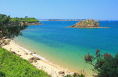 Beach and islands in the Bay of Morlaix — Stock Photo