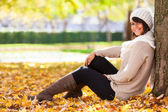 Autumn outdoor portrait of beautiful young woman - Caucasian peo — Stock Photo