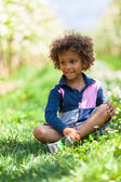 Cute african american little boy playing outdoor - Black people — Stock Photo