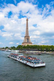 The Eiffel Tower and seine river in Paris, France — Foto Stock