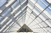 Sistema de alumínio para fachadas e telhados transparentes — Foto Stock