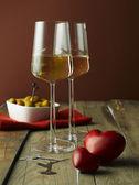 Two glasses white wine — Stock Photo