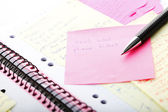 """Open business diary with """"Post It"""" notes and pen — Foto Stock"""