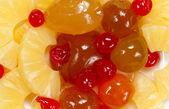 Plastry ananasa i brzoskwinia — Zdjęcie stockowe