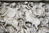 Battle scene below River god (Arno) statue — Stock Photo