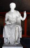 Ancient roman statue in the Palatino ruins — Stock Photo