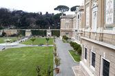 Outdoor Vatican museum gardens — Stock Photo