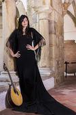 Vacker sångerska och artist kvinna — Stockfoto