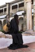 Piękna piosenkarka, wykonawczyni kobieta — Zdjęcie stockowe