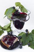 Confiture de groseille dans un vase — Photo