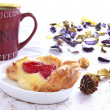Coffee break with pastries — Stock Photo #35019537