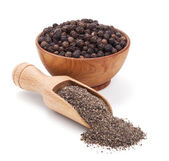 Milled black pepper isolated on white — Stock Photo