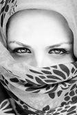 Portrait d'une femme couverte. — Photo