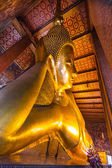 Reclining buddha in wat Pho temple, Bangkok, Thailand. — Stock Photo