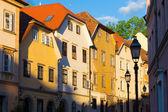 Casas antigas em ljubljana, eslovênia, europa. — Fotografia Stock