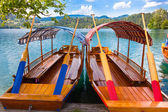Traditional wooden boats on lake Bled, Slovenia. — Stock Photo