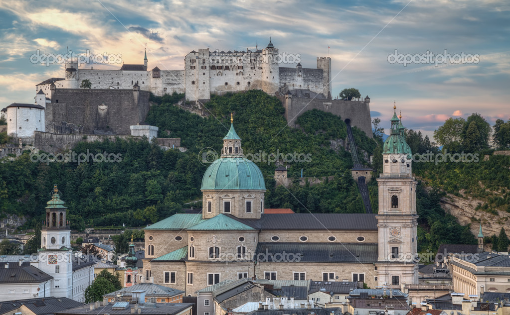 City and Castle Hohensalzburg in Morning - Salzburg, Austria — Stok fotoğraf #18229329