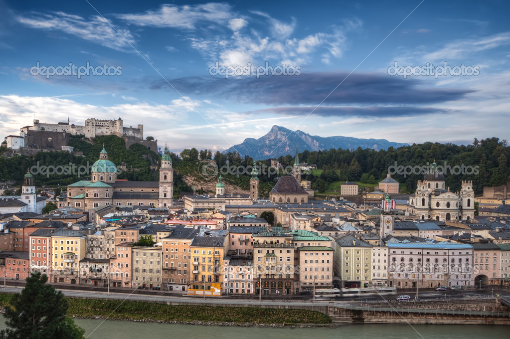 City and Castle Hohensalzburg in Morning - Salzburg, Austria — Stock Photo #18507677