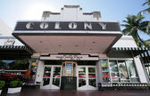 MIAMI, USA - FEB 1: Famous Colony Art Deco Theater renovated for — 图库照片