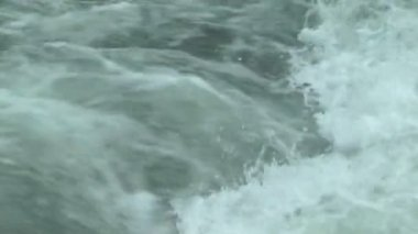 Big Turbulent water flowing closeup — Stock Video