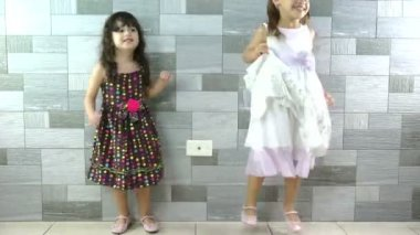 Happy little girls dancing — Stock Video