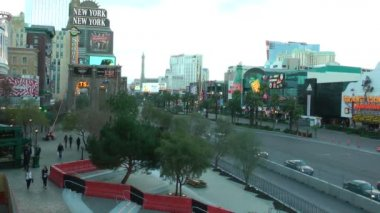 LAS VEGAS, CIRCA 2014: Las Vegas Strip on CIRCA 2014 in Las Vegas. One of the most visible aspects of Las Vegas' cityscape is its use of dramatic architecture. — Stock Video