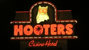 LAS VEGAS - CIRCA 2014: Hooters Hotel on CIRCA 2014 in Las Vegas. Hooters has one of the lowest gaming revenue for a strip casino, but has one of the highest ratio of non-gaming to gaming income. — Stock Video