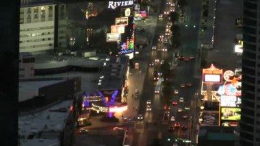 LAS VEGAS - CIRCA 2014: An aerial view of Las Vegas strip on CIRCA 2014 in Las Vegas. The strip is considered a scenic route at night — Stock Video