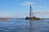 海の真ん中に港湾建設 — ストック写真