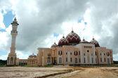 Mosque Baitul Izzah Tarakan, Indonesia in the final stages of development — Stock Photo