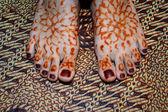 Henna On foots Of Indonesian Wedding Bride — Stock Photo