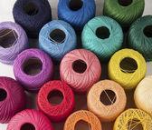 Hilos de colores — Foto de Stock