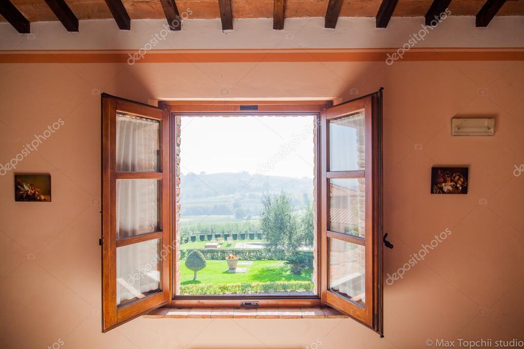 Fen tre avec vue sur la campagne toscane photographie for Ouvrir fenetre javascript
