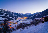 Ski resort at night — Stockfoto